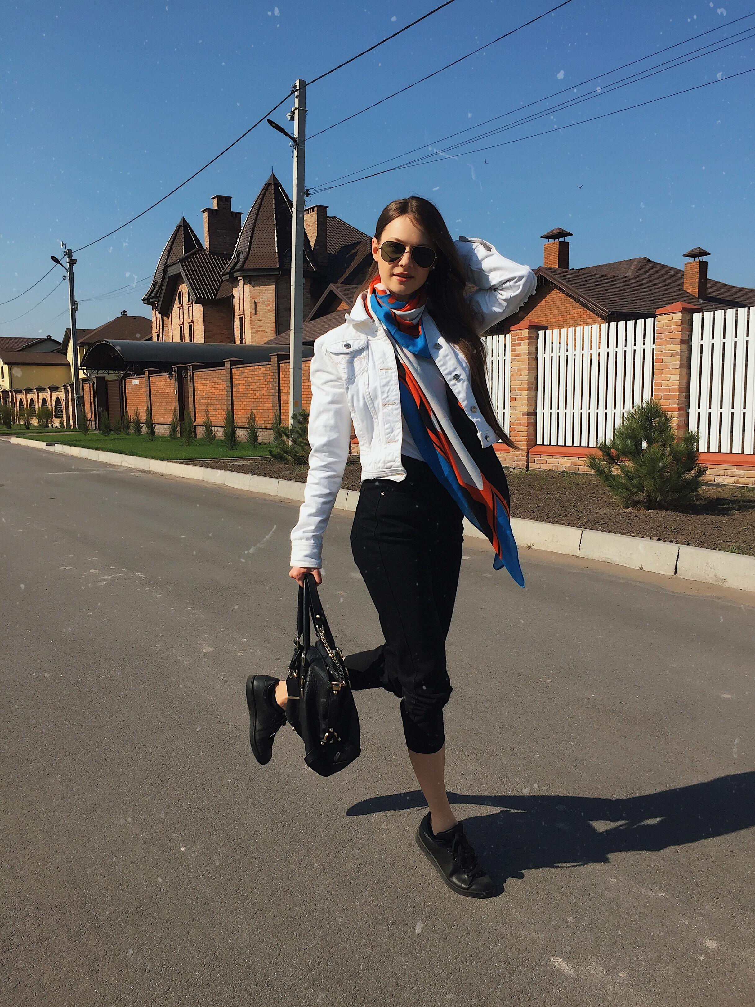 Happiness - artist, speaker, blogger Tanya She