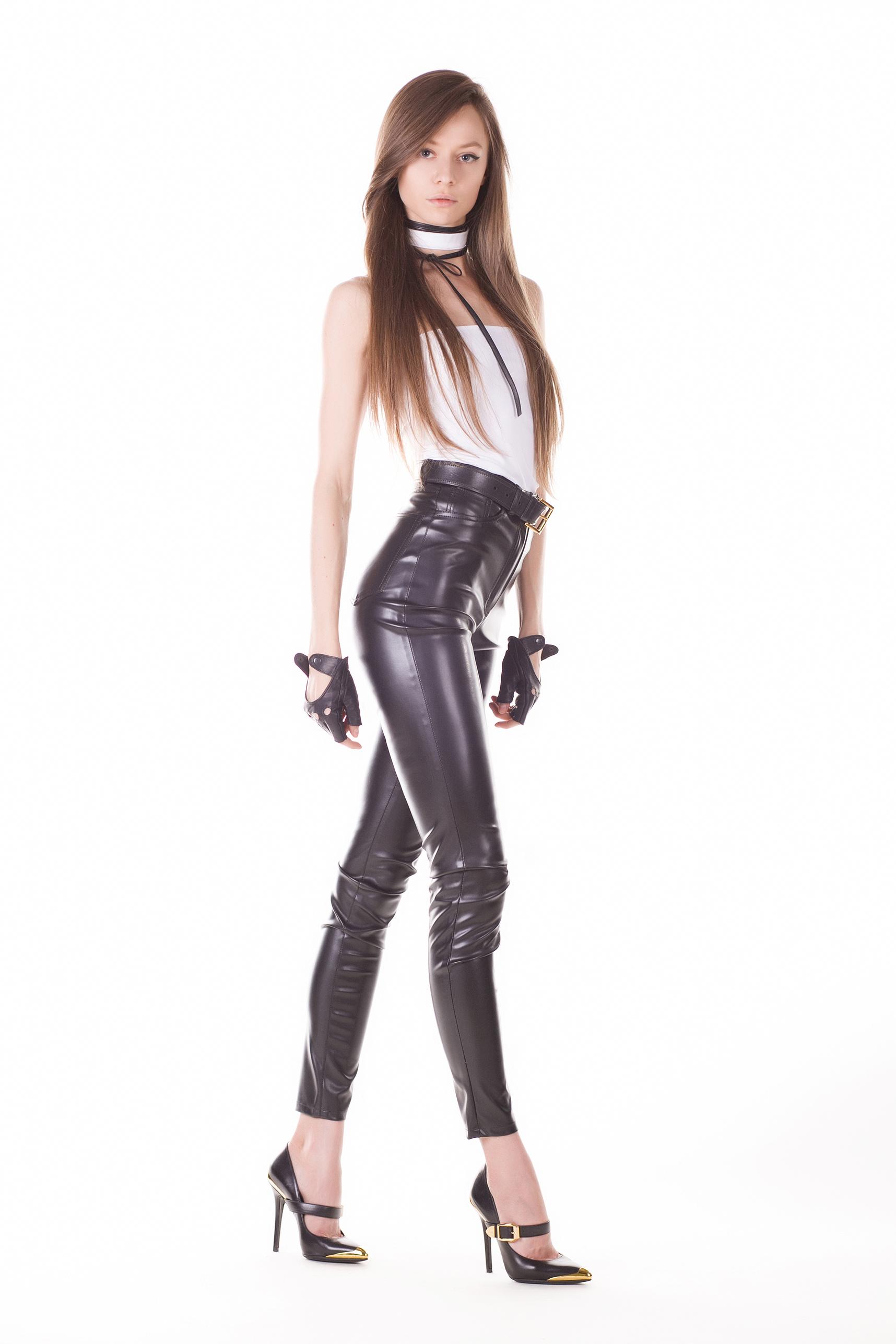 fashion blogger, model, artist Tanya She World 4